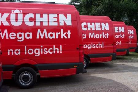 Kuechen-Mega-Markt-Fahrzeugbeschriftung-future-werbung-flotte-2.jpg